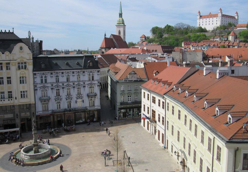Bratislava Centre_Pixabay.jpg