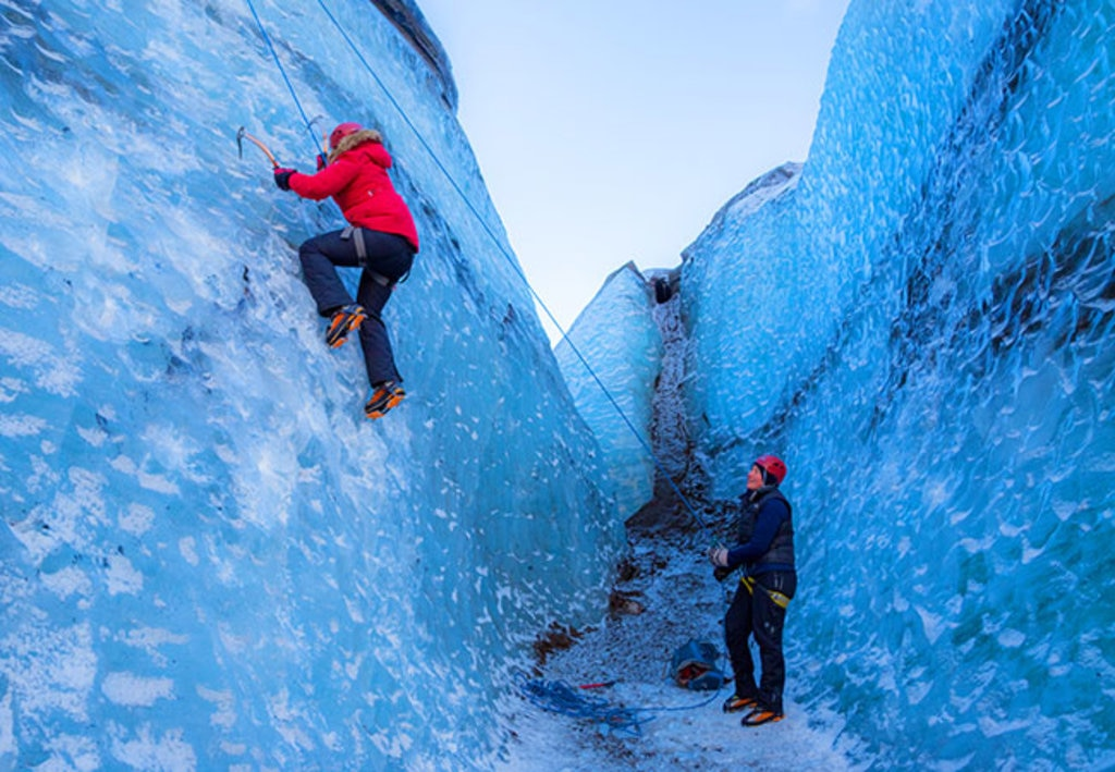 Hiking&IceClimbing_Reykjavik_IceCliffs.jpg