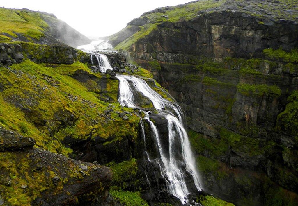 GuidedNatureHike_Reykjavik_Waterfall.jpg