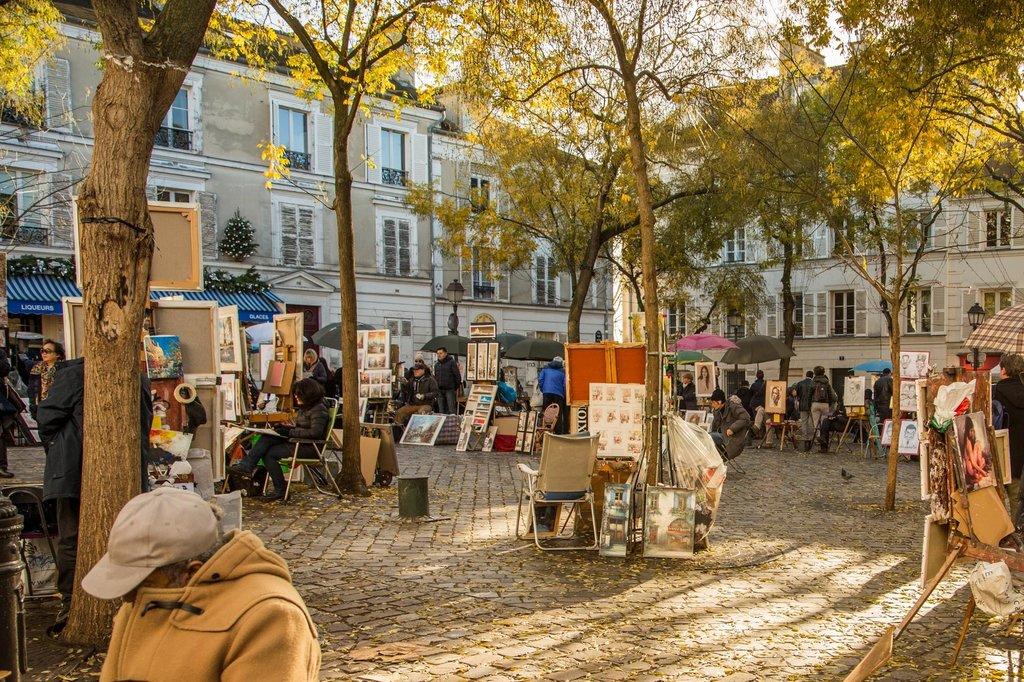 Place du Tertre 75018 Paris.jpg