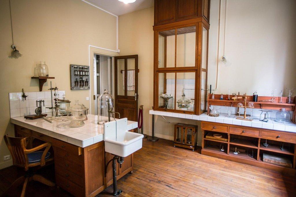 le laboratoire de Marie Curie - Musée Curie - 75005 Paris.jpg