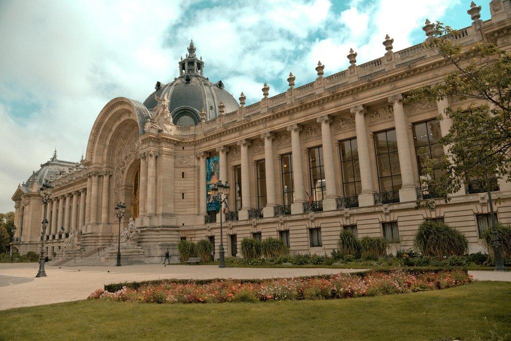 le Petit Palais - 75008 Paris..jpg