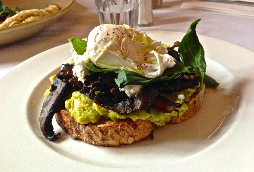 Melbourne-Gastronomy-Breakfast_VisualHunt.jpg