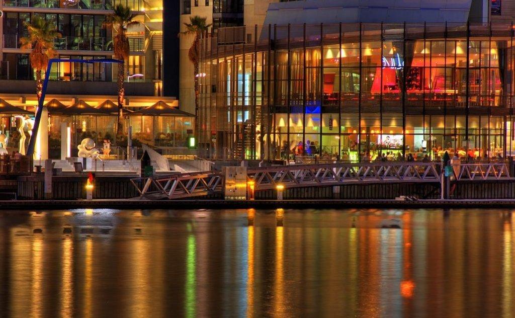 Melbourne-Docklands-Gastronomy_VisualHunt.jpg