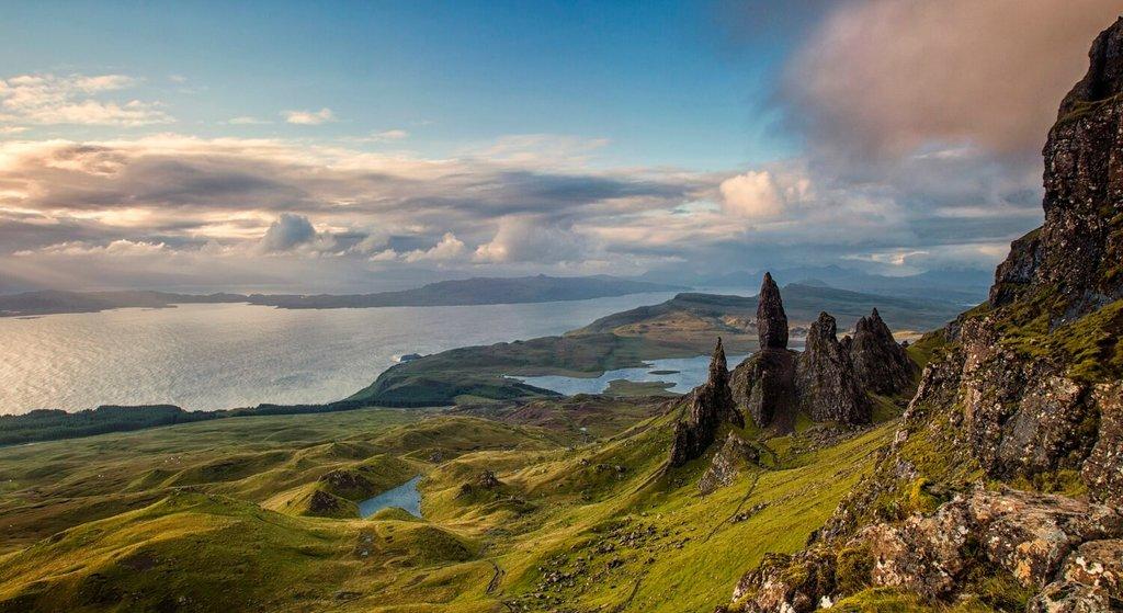 ScottishIsles-Skye-Nature_VisualHunt.jpg