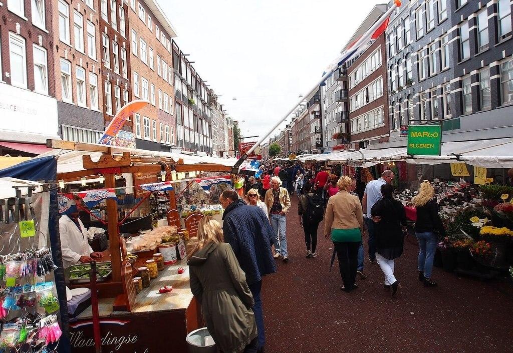 Albert_Cuyp Markt,_Amsterdam_WikimediaCommons.jpg
