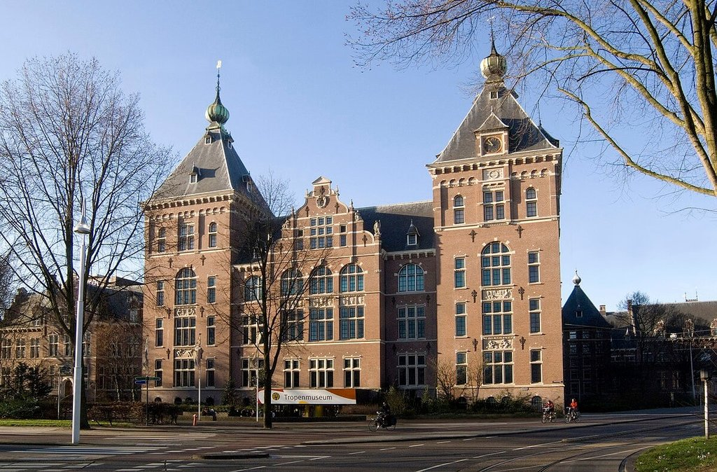 Amsterdam-Tropenmuseum_Wikimediacommons.jpg