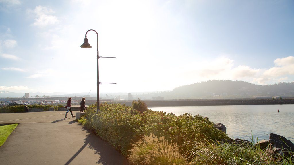 Bellingham which includes general coastal views and a bay or harbor