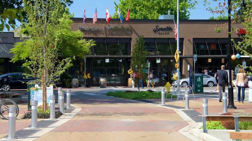 Kirkland showing street scenes