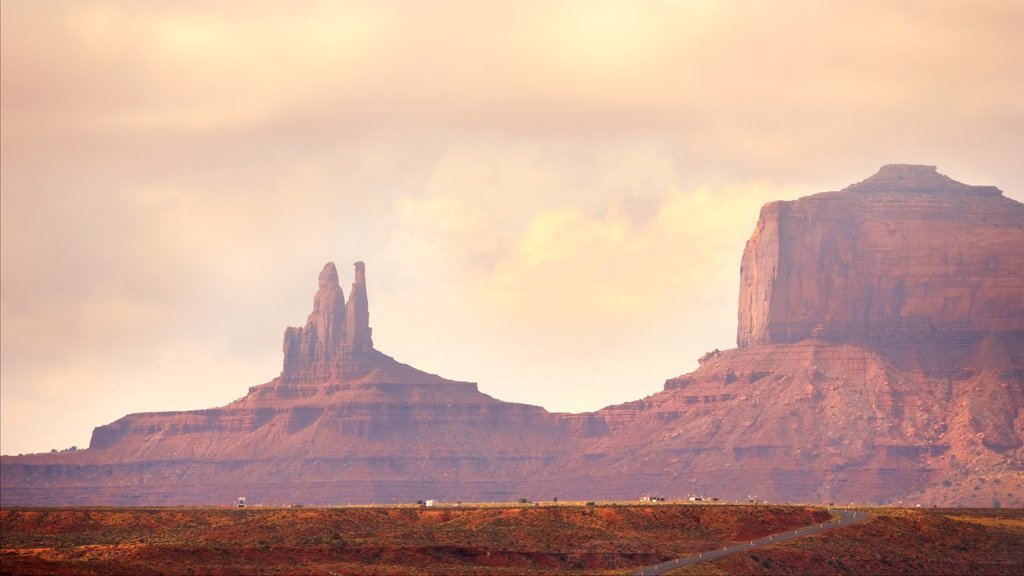 Monument Valley featuring tranquil scenes, landscape views and desert views