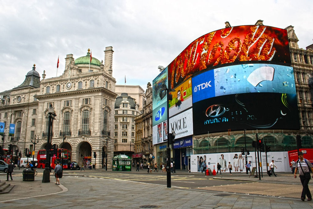 picadilly-circus-CCommons.jpg