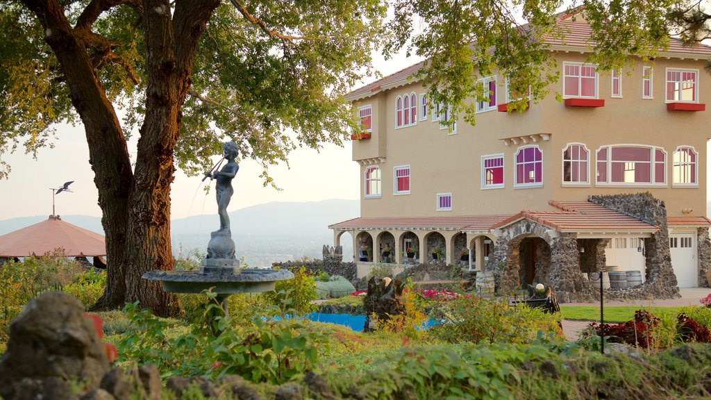 Arbor Crest Wine Cellars featuring a statue or sculpture and a garden