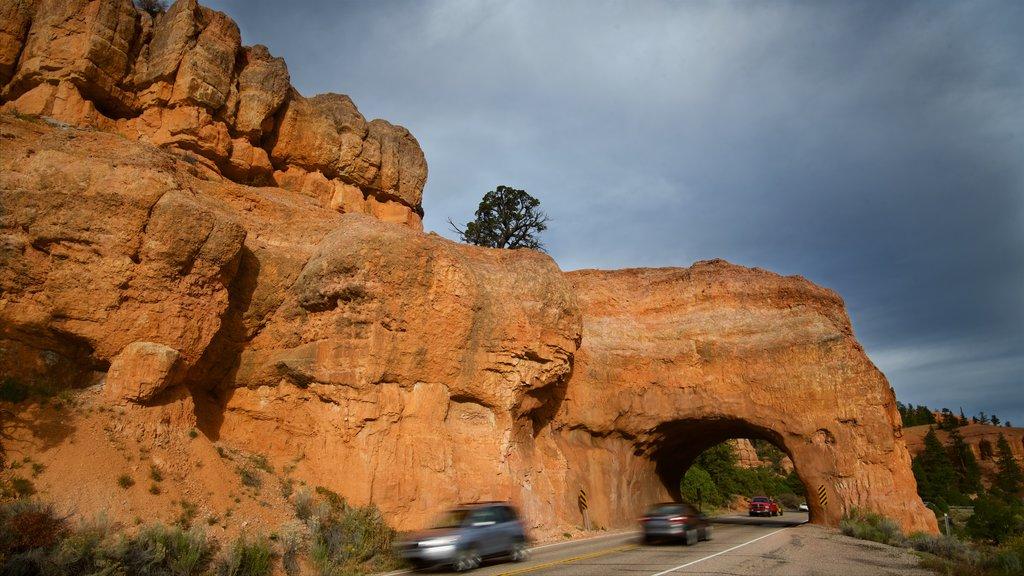 Utah ofreciendo turismo en vehículo y escenas tranquilas