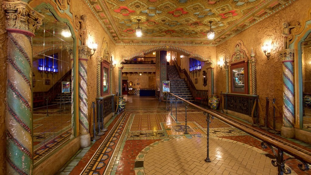 Tampa Theater showing heritage architecture and theater scenes