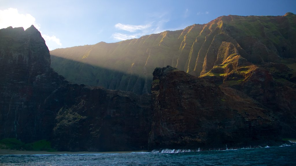 NaPali Coast State Park which includes a gorge or canyon and general coastal views