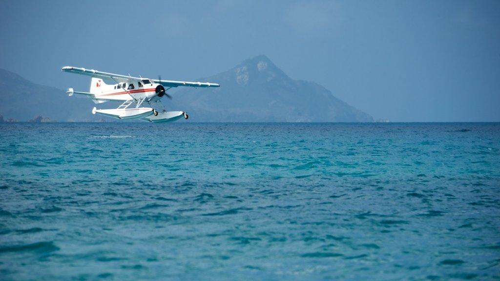 Hamilton Island showing aircraft and general coastal views