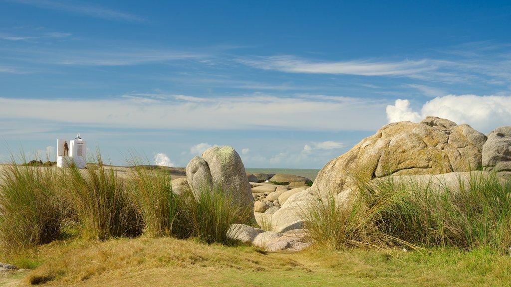 Punta del Diablo mostrando vistas generales de la costa