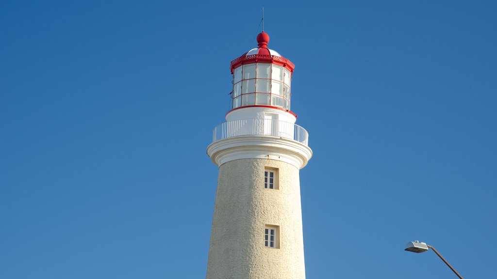 Punta del Este Lighthouse featuring heritage architecture and a lighthouse
