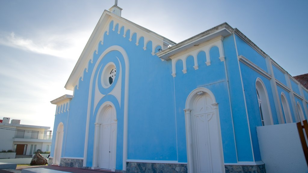 Candelaria Church featuring heritage architecture and a church or cathedral