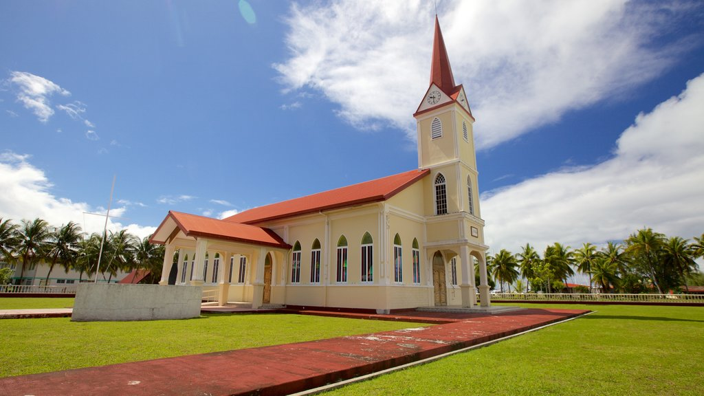 Uturoa featuring heritage architecture and a church or cathedral