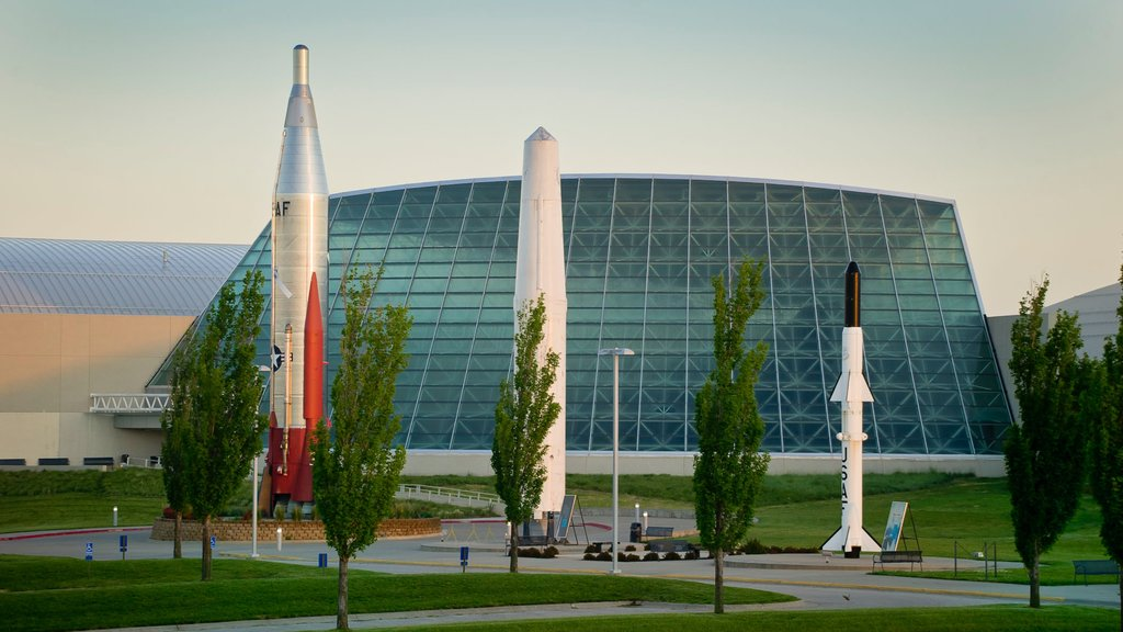 Strategic Air and Space Museum showing modern architecture