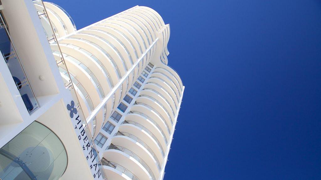 Strand featuring a skyscraper