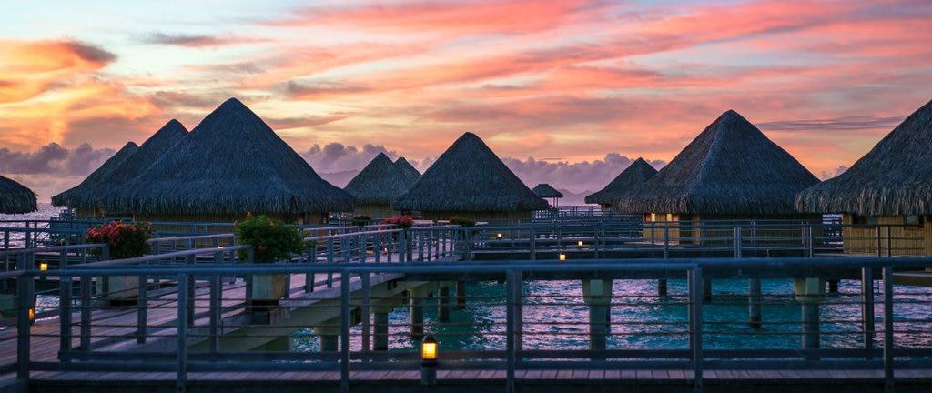 resort-1024x432.jpg