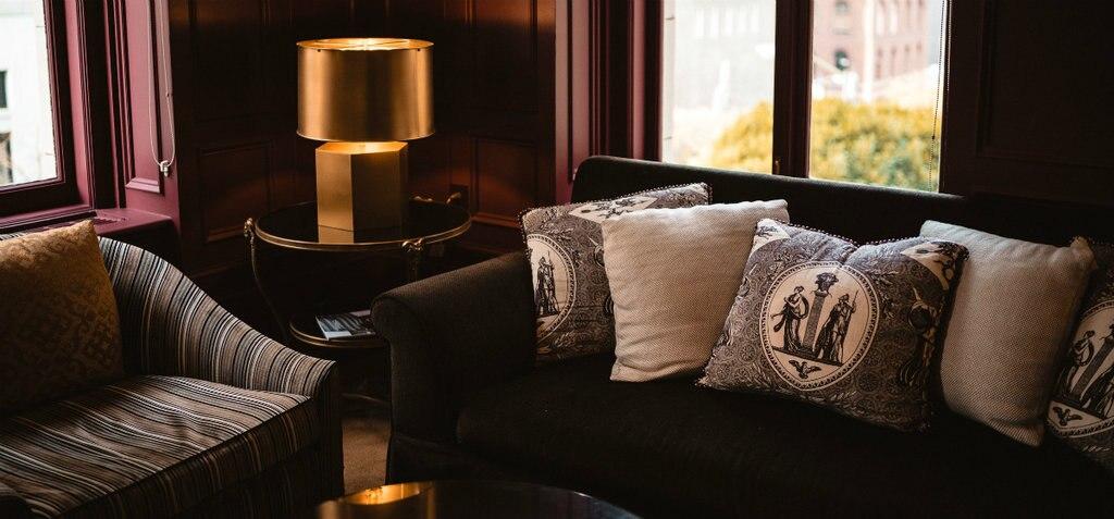 hotelzimmer-1024x477.jpg