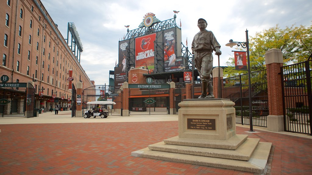 Oriole Park at Camden Yards showing a statue or sculpture and a monument