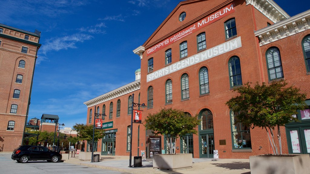 Museo Sports Legends Museum at Camden Yards ofreciendo patrimonio de arquitectura
