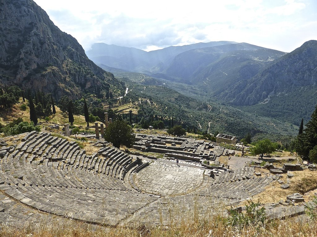 Amphitheater-in-Delphi-1024x768.jpg