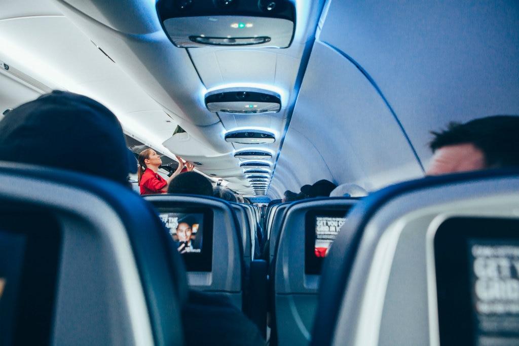 flight-cabin-1024x683.jpg