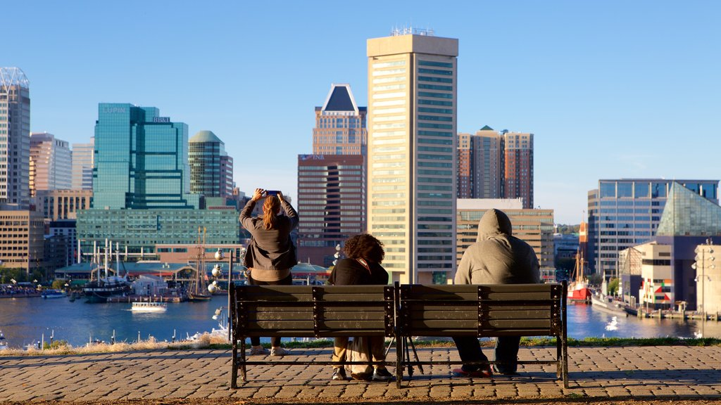 Federal Hill Park showing a marina, a city and skyline