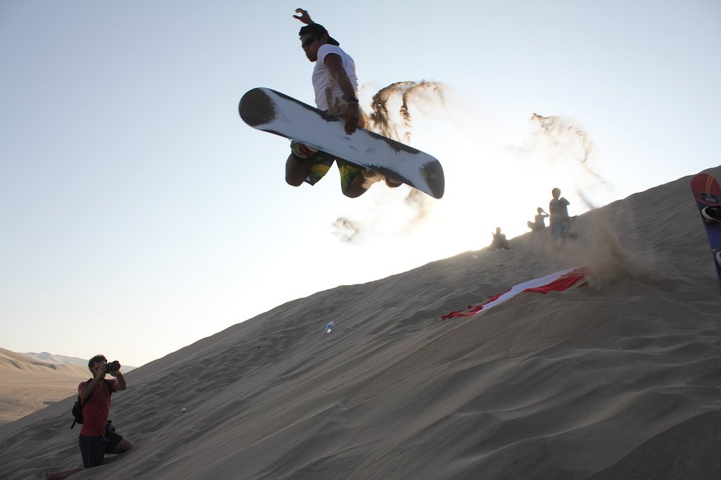 huacachina-sandboarding-1024x682.jpg