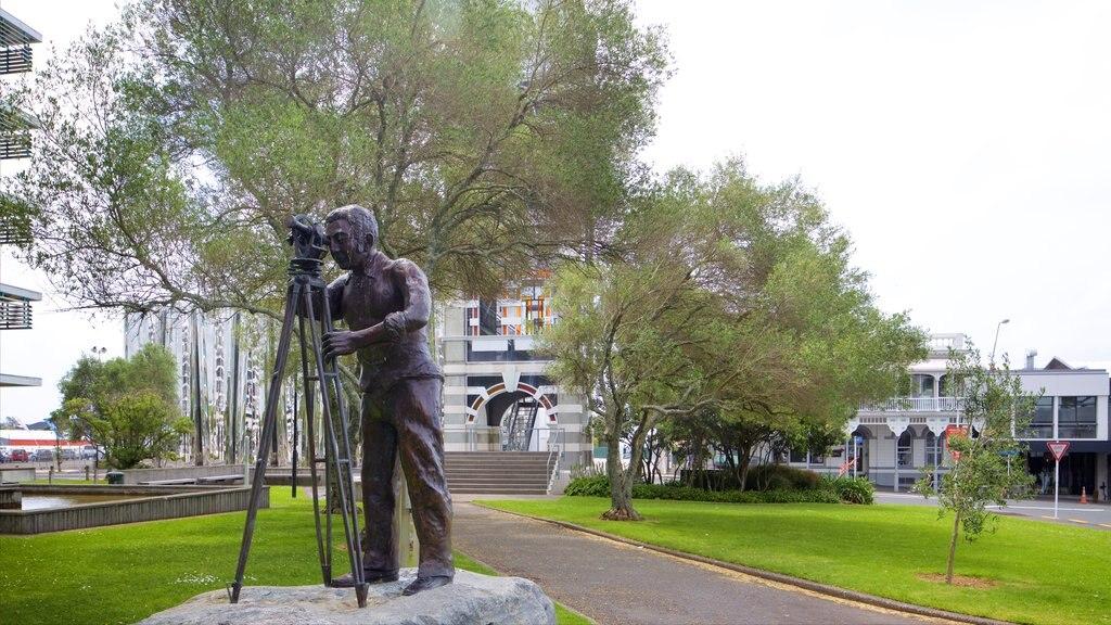 Nueva Plymouth que incluye un parque y arte al aire libre