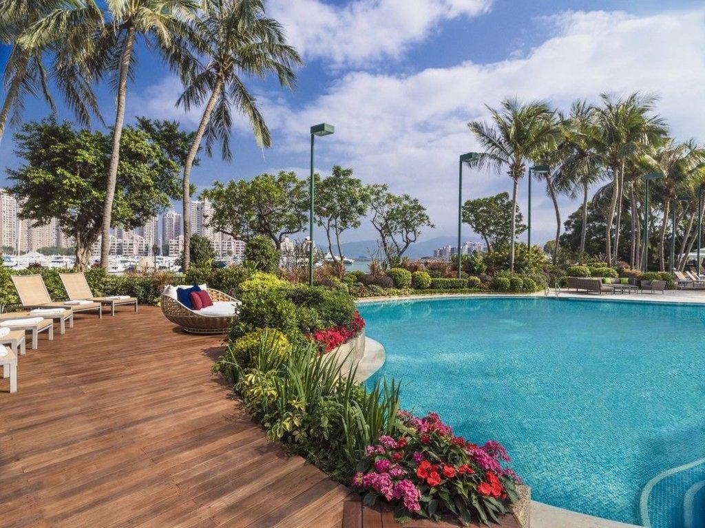 pool area of hong kong gold coast hotel