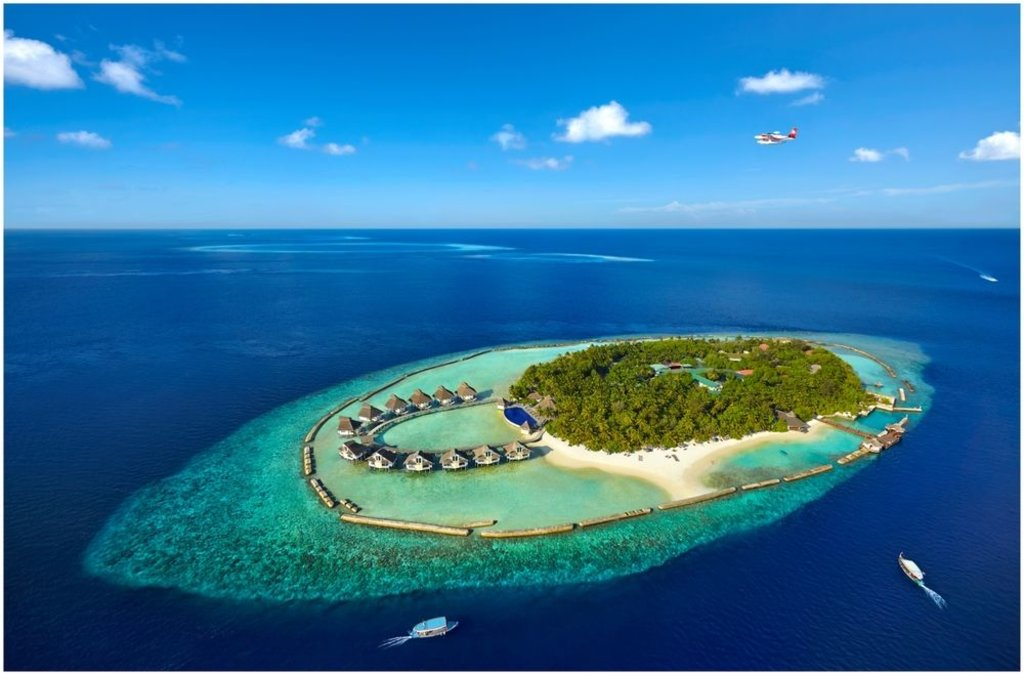 view of Ellaidhoo Maldives resort from the air
