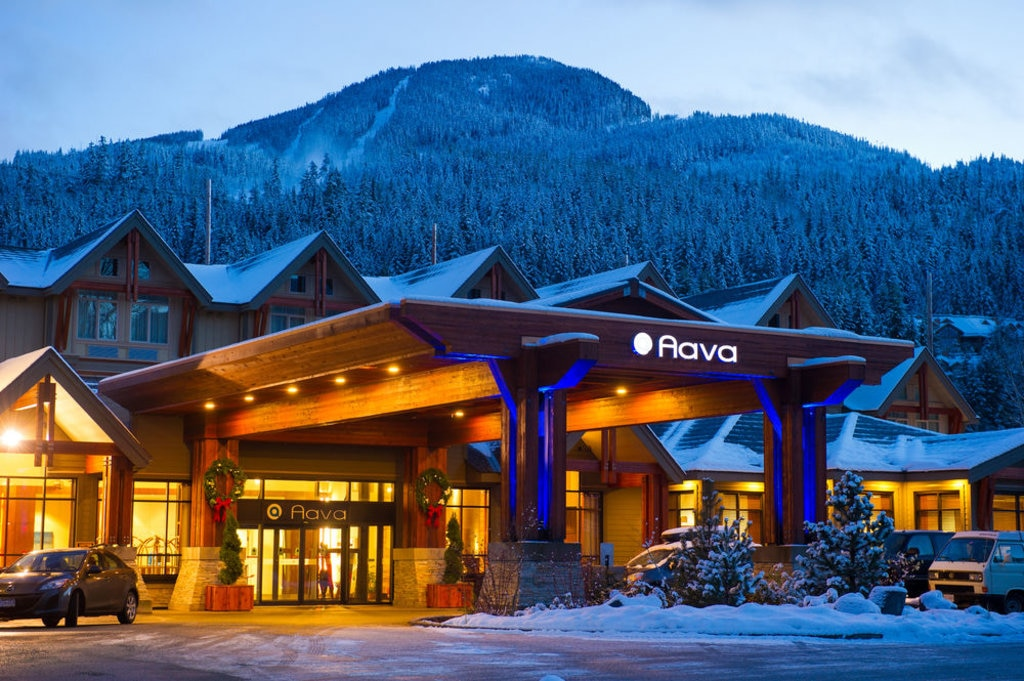 aava whistler hotel, canada