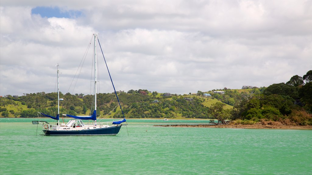 Whangarei showing rocky coastline, sailing and a bay or harbor