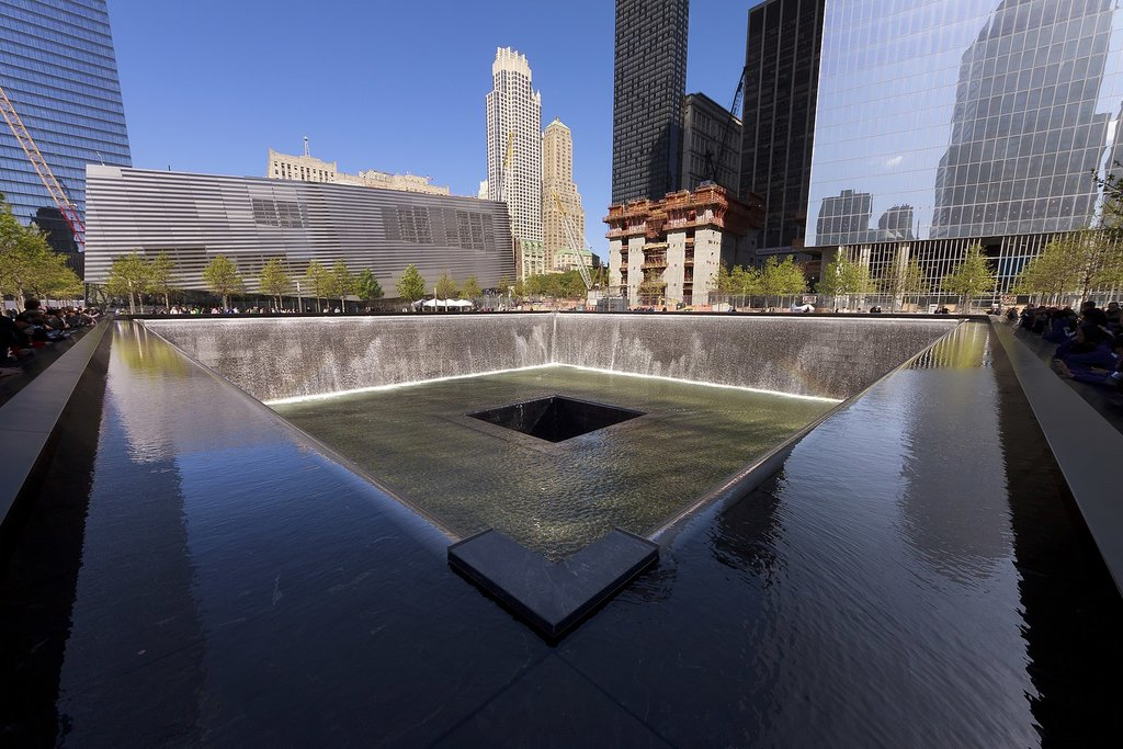 1620px-New_York_-_National_September_11_Memorial_South_Pool_-_April_2012_-_9693C.jpg?1568191554