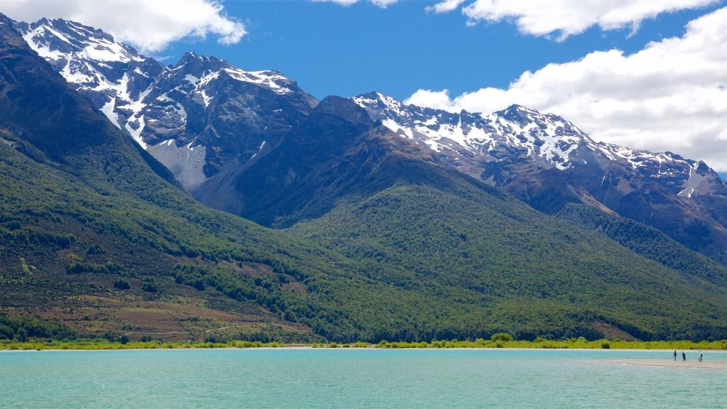 Glenorchy which includes a lake or waterhole, forests and mountains