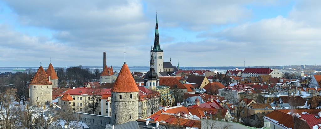 4._1280px-Old_town_of_Tallinn_06-03-2012.jpg?1536749830