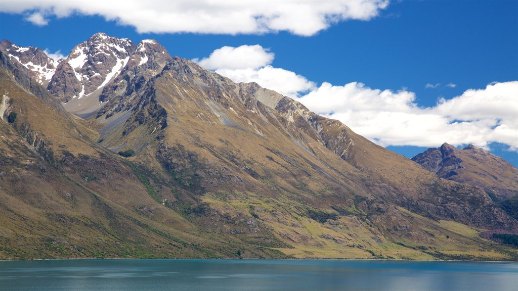 Lake Wakatipu showing a lake or waterhole and mountains
