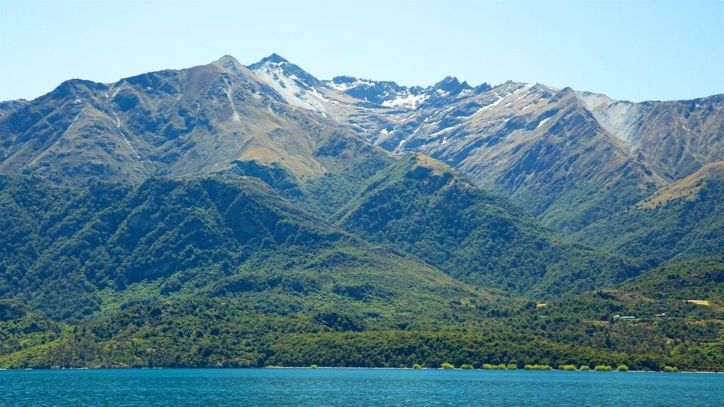 Lake Wakatipu showing mountains and a lake or waterhole