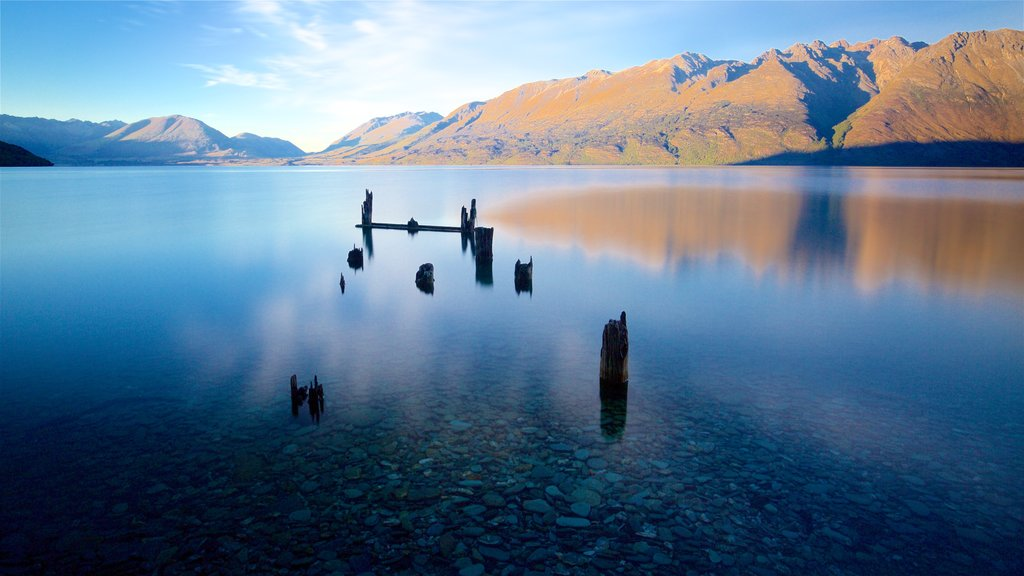 Lake Wakatipu featuring a lake or waterhole and mountains