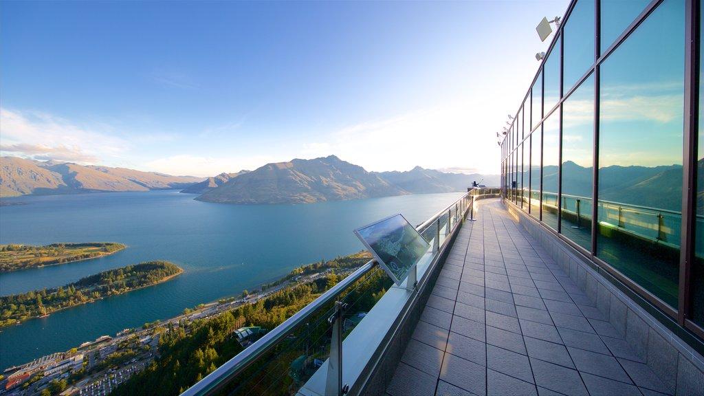 Skyline Gondola mostrando un lago o abrevadero, vistas y escenas tranquilas
