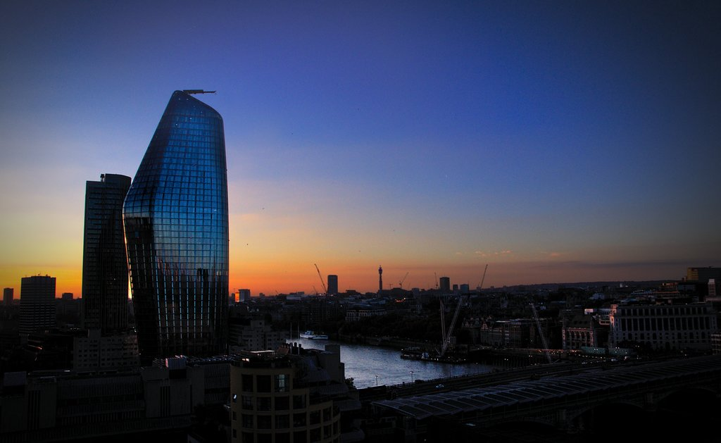 1200px-Sunset_behind_the_One_Blackfriars__London.png?1553166030