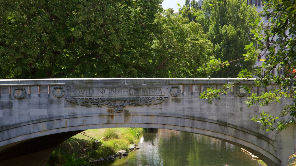 Bridge of Remembrance featuring a bridge, a garden and heritage architecture