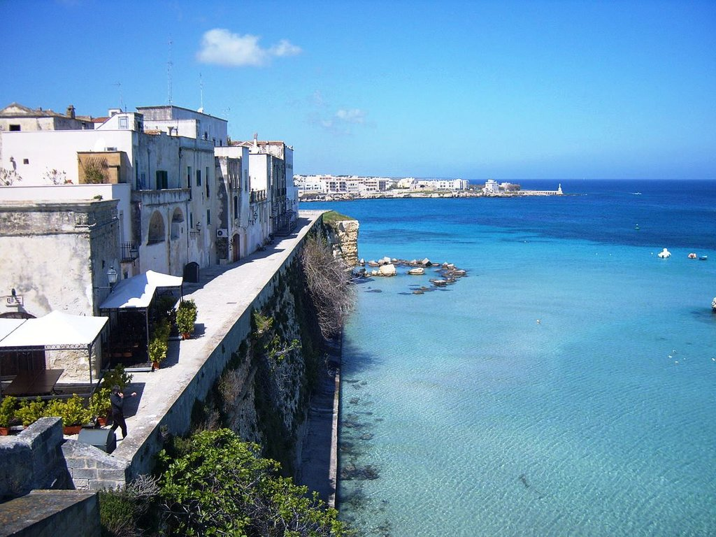 1200px-Otranto_dal_bastione_dei_Pelasgi.jpg?1557325620