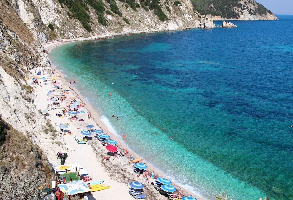 1681px-Spiaggia_di_Sansone__Elba_-_panoramio.jpg?1561951832